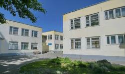 Родители школьников, которые учатся в здании детского сада, попросили помощи у акима Павлодарской области