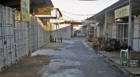 """На соседнем с """"Баянаулом"""" авторынке в Алматы начались махинации с торговыми местами"""