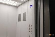 В 2019 году в Павлодаре приступили к замене устаревших лифтов