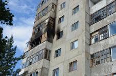 Пострадавший при пожаре многоэтажного дома житель Экибастуза умер в реанимации