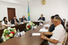 Поведение замакима района в Павлодарской области стало предметом критики членов совета по этике
