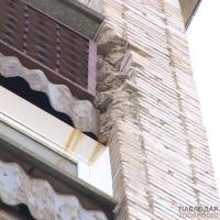 Кирпичи по адресу: Бакинская, 5 падают с последних этажей многоэтажки