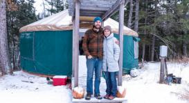 Американская пара полтора года живет в юрте