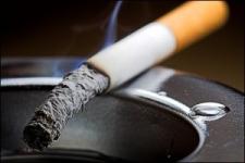 Курильщиков в Казахстане обложили новыми запретами