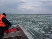 В Павлодарской областис отколовшейся льдины спасли четверых рыбаков