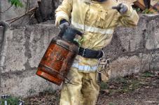 Взрыв двух газовых баллонов предотвратили павлодарские пожарные