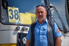 В Павлодаре водитель автобуса изменил маршрут ради пассажирки, которой стало плохо