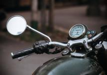 Пьяный мужчина в пригороде Павлодара возил на мотоцикле своего сына