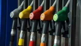 Казахстан увеличивает зависимость от импорта бензина и керосина