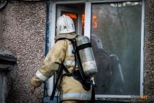 Трех человек спасли пожарные в Экибастузе
