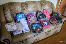 Руководство четырех торговых домов помогло малоимущим семьям собрать детей в школу