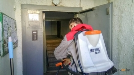 «Баттл» между КСК и клининговой компанией организовали в павлодарской многоэтажке