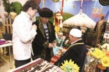 Обучать омских казахов родному языку в Павлодаре предлагает аким области
