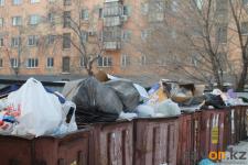 """В адрес ТОО """"Спецмашин"""" выписан штраф за невывоз мусора со дворов Павлодара"""