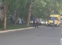 Мужчина выпал из окна квартиры на третьем этаже в Павлодаре