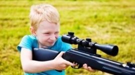 Пятилетний ребенок случайно застрелил двухлетнюю сестру в США