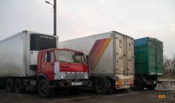 Сотрудники трех госорганов проводят совместную работу для выявления нарушений, допускаемых водителями большегрузов