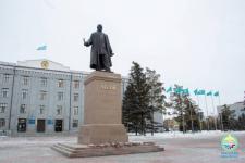 Памятник Абаю Кунанбаеву презентовали в Павлодаре