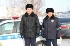 Павлодарские полицейские оперативно задержали двух мужчин, которые ограбили девушку