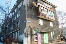 В Павлодаре женщина выбросилась из окна после ссоры с мужем
