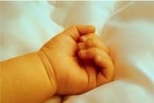 Грудной младенец умер в постели матери