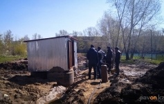 Затопленные дома Второго Павлодара начали спасать