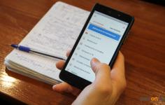 Павлодарских школьников научат оплачивать покупки через смартфон