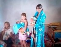 В Павлодарском селе двум новорожденным детям подарили барана