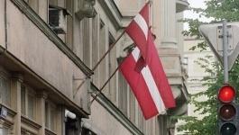 Власти Латвии советуют гражданам в случае войны запастись топорами