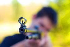 В Прииртышье подросток выстрелом из винтовки ранил ребенка