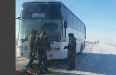 Павлодарские спасатели опять пришли на помощь замерзающим в транзитном автобусе людям