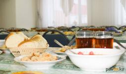 С 1 марта ученики младшего звена в Павлодарской области снова будут получать бесплатные горячие обеды