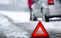 В Павлодарской области водитель иномарки налетел на отбойник, спасая от удара пьяного пешехода