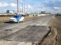 Дорожные службы за несколько часов отремонтировали участоктрассы республиканского значения в районе Аксу