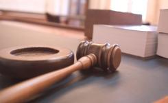 Руководитель павлодарской турфирмы за мошенничество осуждена на три года колонии