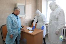 Аким Павлодара проверил готовность стационара для временной изоляции людей, контактировавших с инфицированными Covid-19
