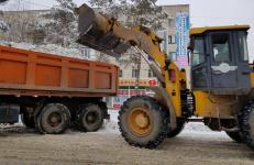 В Павлодаре снова вышли на круглосуточный режим уборки снега