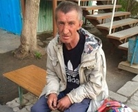 Полиция пятый месяц ищет того, кто избил бездомного Владимира