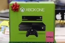 Microsoft выпустит удешевленную на 100 долларов версию Xbox One