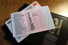 На 55,6 тысячи тенге оштрафовали дальнобойщика, который купил водительские права