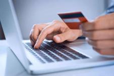 Павлодарцы стали почти в два раза чаще совершать безналичные платежи