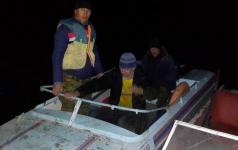 В Аксу спасли двоих рыбаков с резиновой лодки