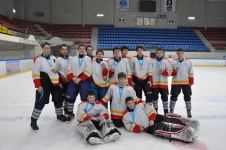 Хоккейные соревнования среди школьников