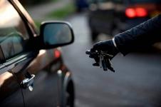 Шесть оставленных открытыми автомобилей обнаружили павлодарские полицейские за один вечер