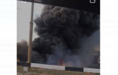 Сухая трава и теплоизоляция труб горели в районе Трамвайного управления в Павлодаре