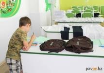 """Четырнадцать с половиной тысяч учащихся получили помощь во время акции """"Дорога в школу"""" в Павлодарской области"""