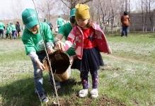 Сотрудники Аксуского завода ферросплавов продолжают пополнять зеленый фонд Аксу