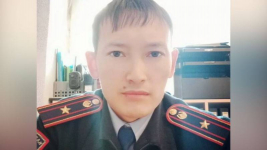 Полицейский выстрелил в себя: прокурора и его заместителя уволили в Павлодарской области