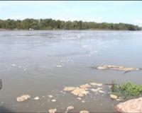 Река с пеной