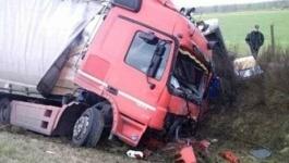 В Павлодаре в результате столкновения легкового автомобиля с грузовиком погибли 2 человека